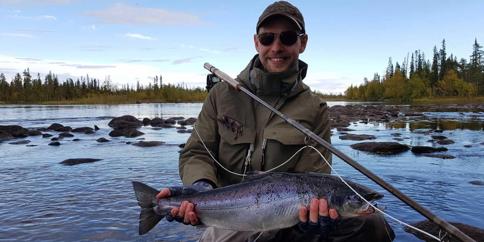 Ловля спинингом лосося и сёмги на Кольском полуострове.